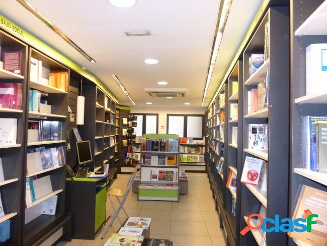 Local comercial luminoso de 110 m2 en la zona de Chamberi.