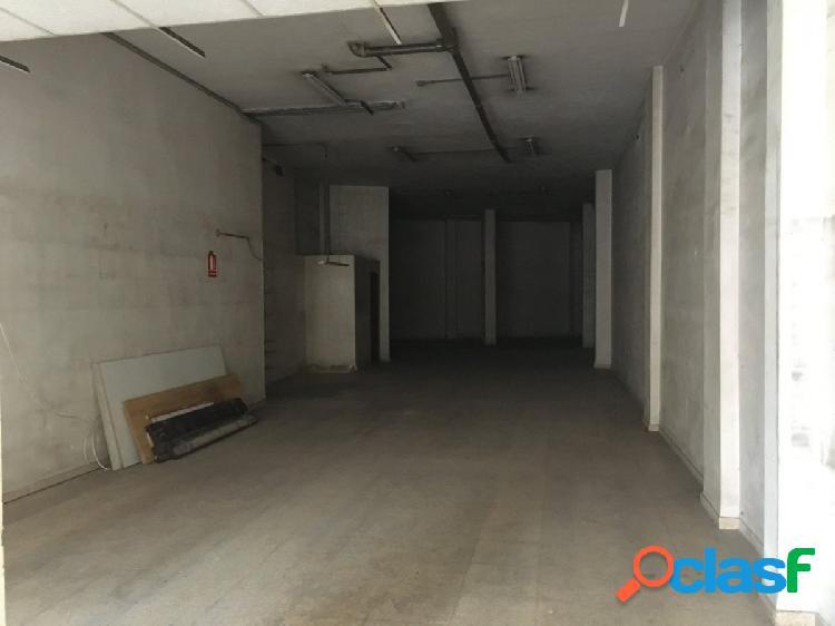 Local con 180 m2 en Venta o Alquiler con Opción a compra