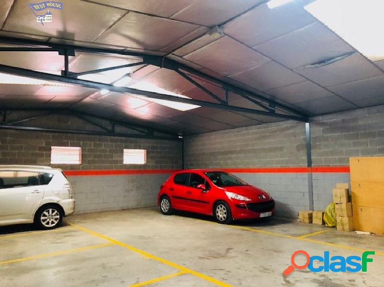 Local de 8 plazas de parking en Sant fruitos de Bages