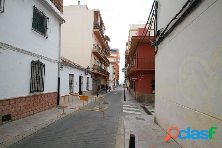 Local en Centro de Fuengirola cerca de playa diafano