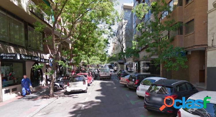 Local en RENTABILIDAD frente al mercado de Torrijos