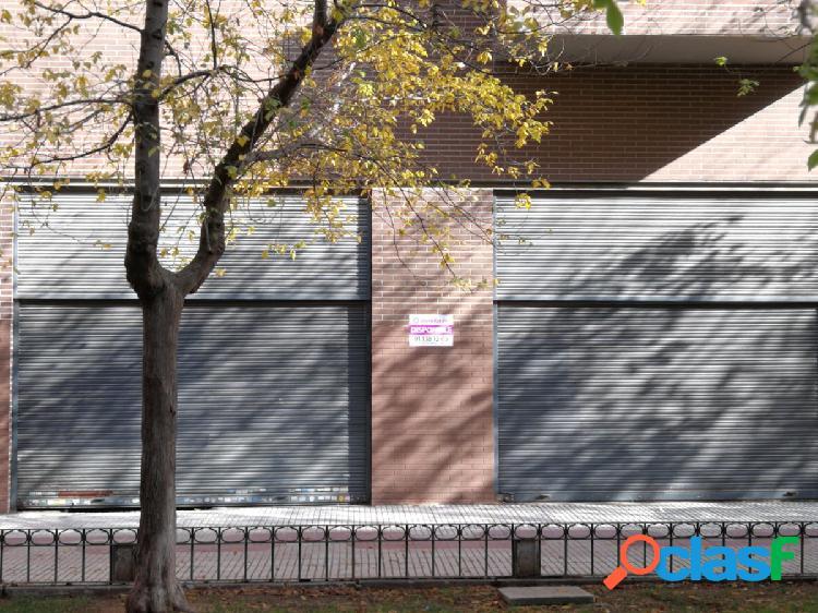Local en alquiler en calle Jacinto, zona de Los Castillos,