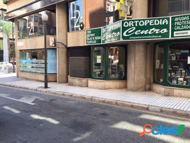 Local en alquiler en pleno centro de Alfonso el Sabio