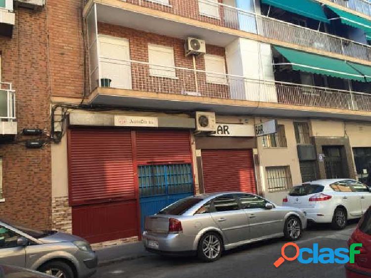 Local en venta en calle Isabelita Usera, zona Pradolongo,