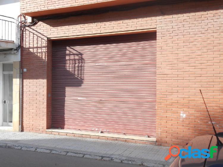 Local en venta o alquiler en Sant Pere de Ribes de 171 m2.