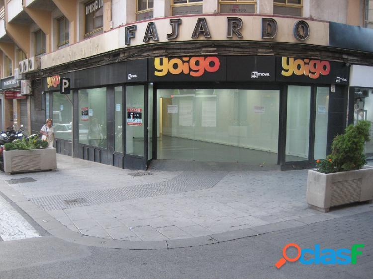 Local esquina - Antonino Vera.