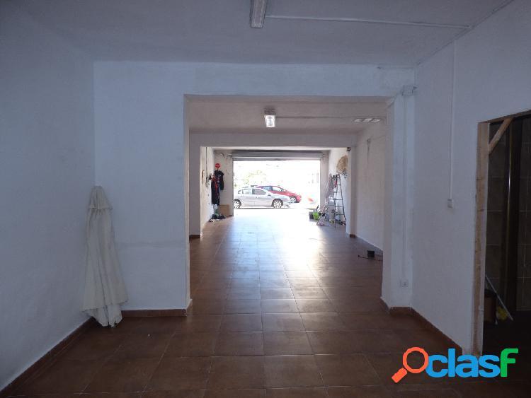 Local situado en Marina Española, de 96 m2, reformado, con