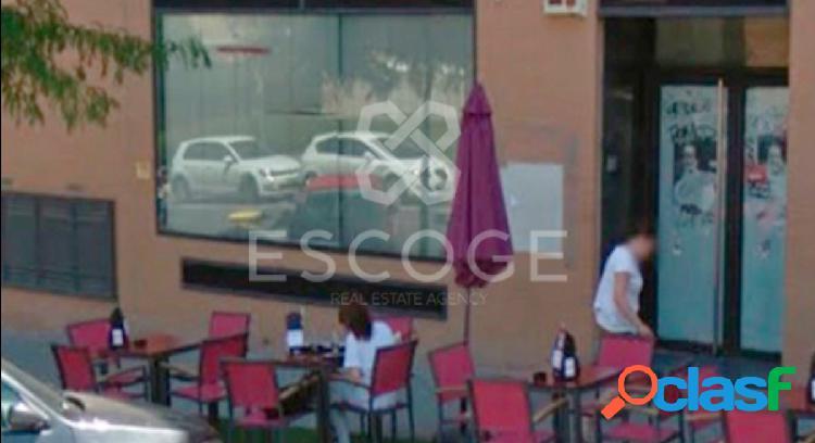 Local situado en la calle principal de Montecarmelo (Madrid)