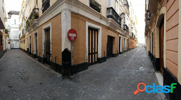 Local -trastero en zona mercado.55.000€