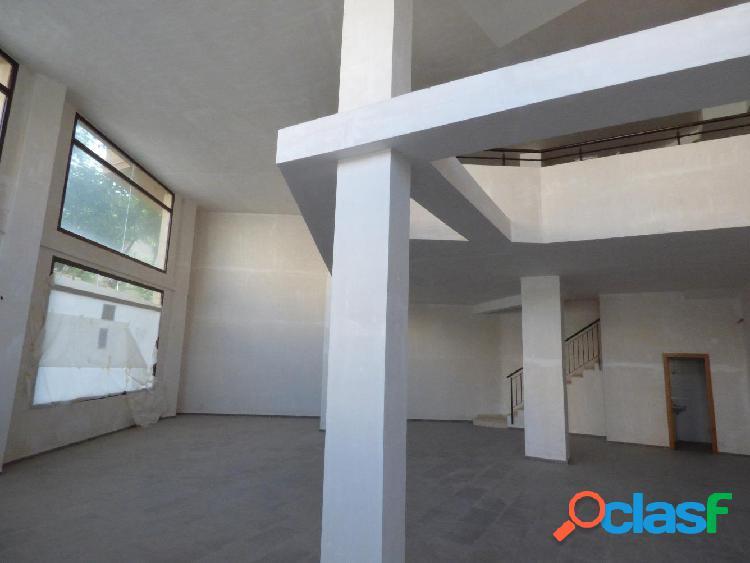 Local zona San Pascual de obra nueva con 150m² de local en