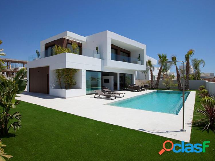 Lujosas villas independientes con piscina privada situadas