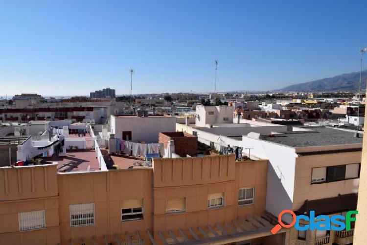Luminoso y céntrico piso de 3 dormitorios en La Gangosa,