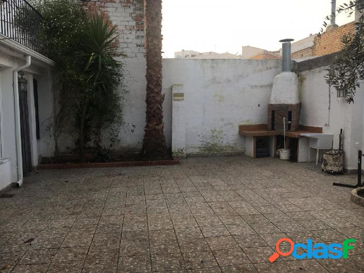 MAGNIFICA CASA UNIFAMILIAR EN PLENO CENTRO DE HUETOR TAJAR