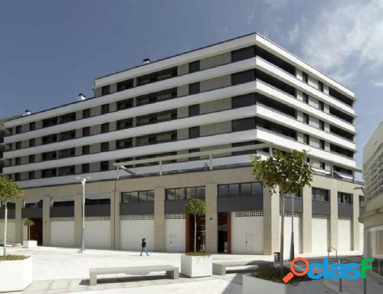 MAGNIFICA OFICINA EN EDIFICIO CENTER, PLAZA 3 DE ABRIL.
