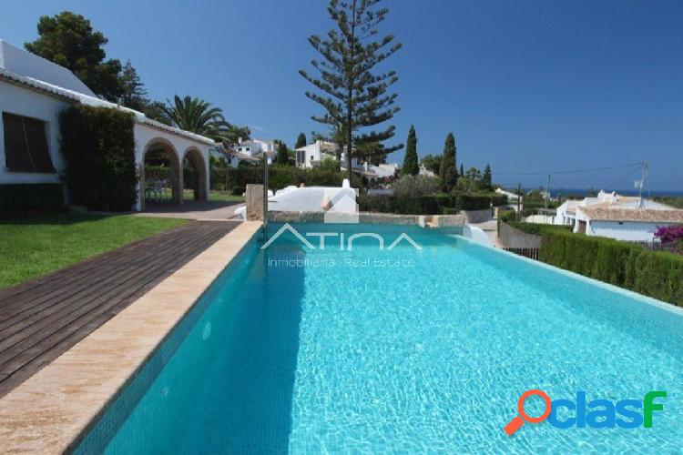 Magnífica villa con vistas al mar en la exclusiva y segura
