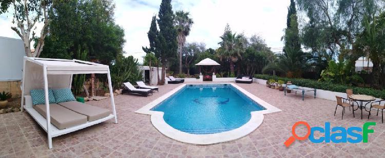 Magnifica oportunidad Villa con licencia turística