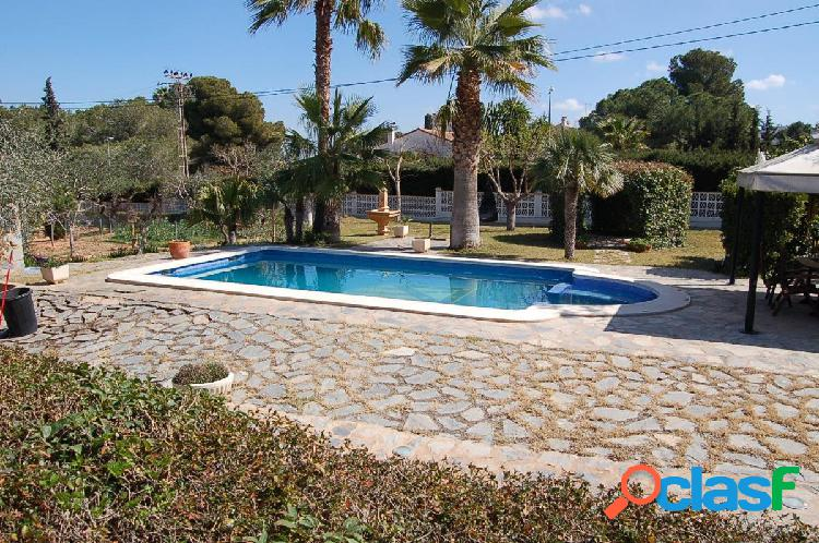 Magnifico chalet en tentegorra con piscina de 5 dormitorios