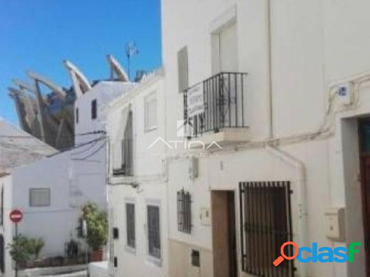 Maravillosa casa de pueblo en el centro del puerto de