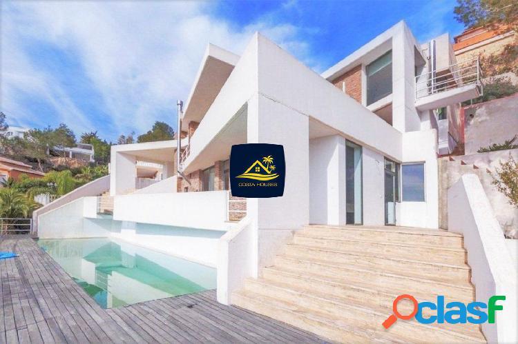 Minimal Luxury Villa en Javea, con Privilegiadas Vistas al