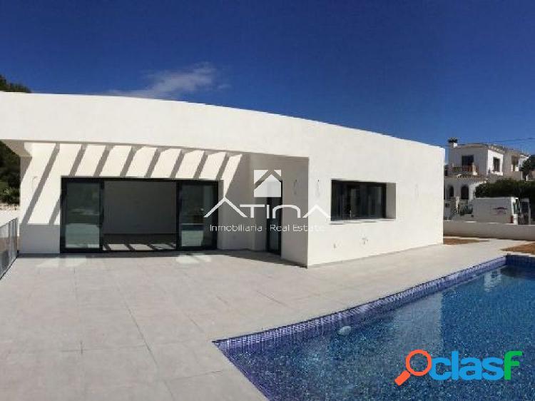 Moderna villa en proyecto con acabados de primera calidad