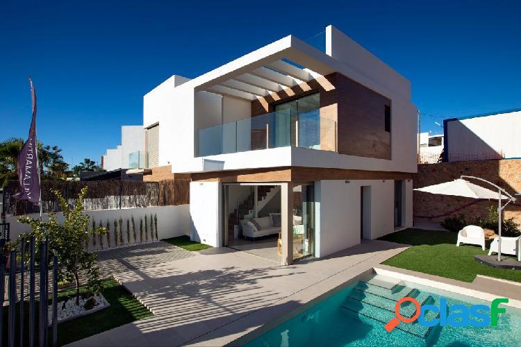 Modernas villas con despejadas vistas en Villamartin al lado