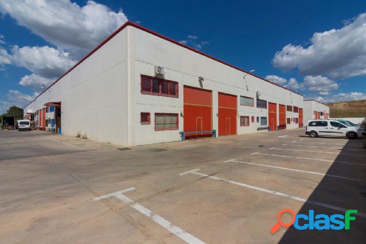 Nave industrial en Torres de La Alameda