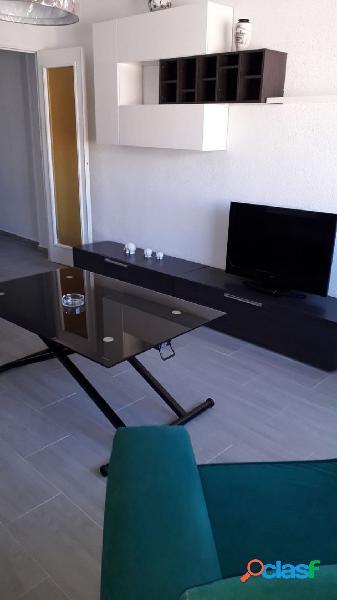 ¡Nuevo piso de 4 dormitorios en Einstein! Ideal estudiantes