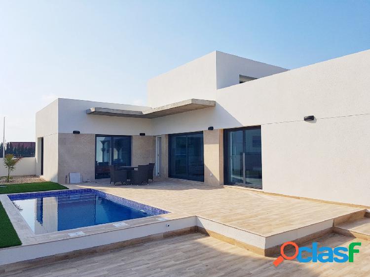 Nuevo proyecto de villas con piscina privada en Daya Nueva