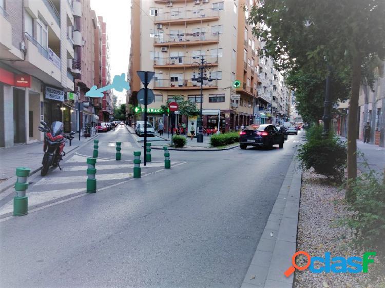 OFICINA en calle Campoamor, una de las calles más
