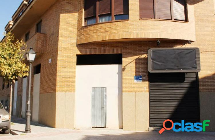 OPORTUNIDAD DE BANCO. LOCAL COMERCIAL EN VENTA EN BRUNETE.