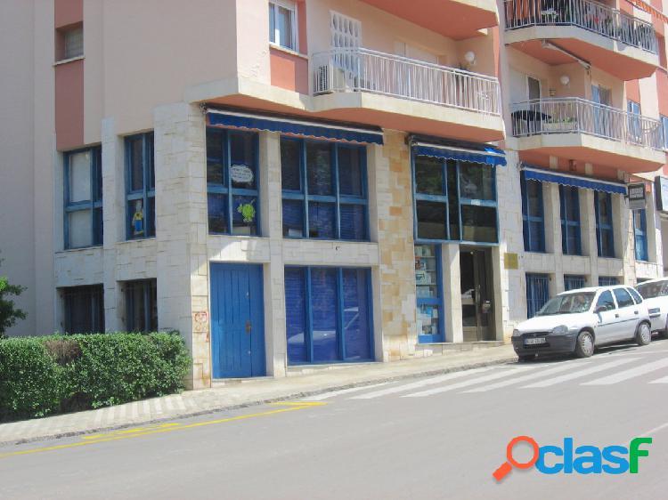 Ocasión Centro de Estudios de 600 m2 en Venta en Figueres