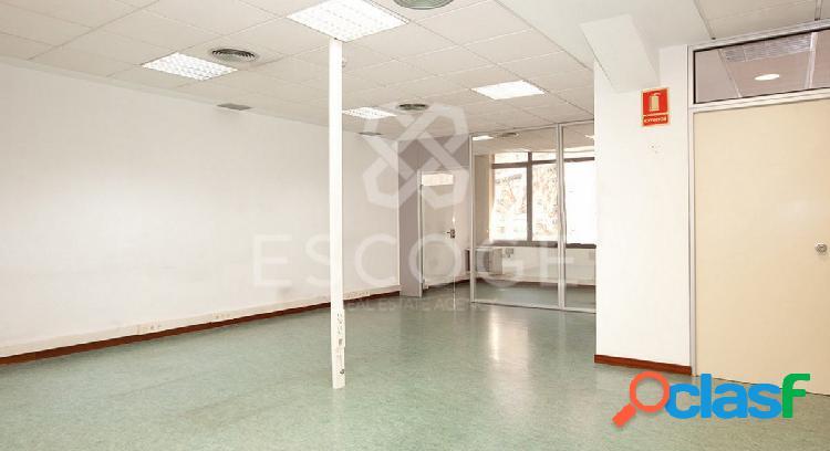 Oficina en alquiler junto a la zona comercial de Sant Antoni