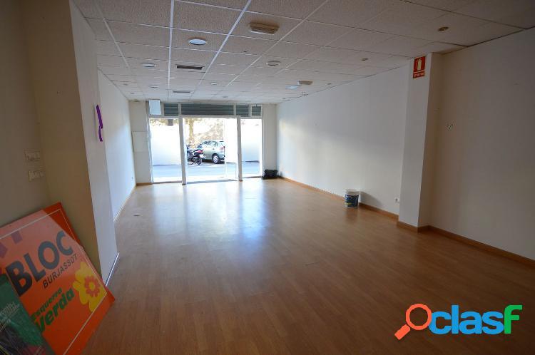 Oportunidad! bajo comercial de 130 m2 en Venta. Pleno centro