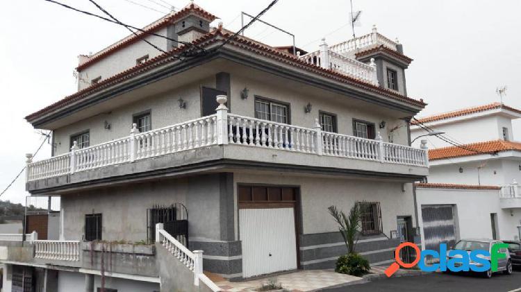 ¡Oportunidad inversores: Amplia vivienda con 2 dormitorios