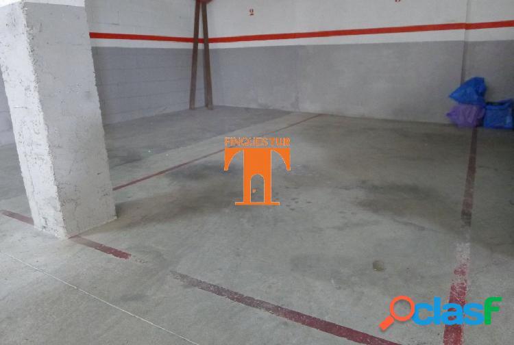 PLAZA DE PARKING en pleno CENTRO COMERCIAL de PREMIA DE MAR