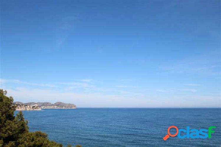 Parcela con vistas al mar muy cerca de la playa a la venta