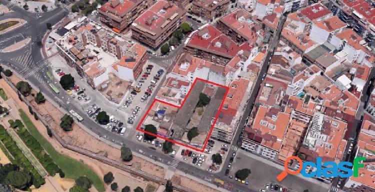 Parcela edificable junto al CENTRO de CORDOBA para 2400 m2