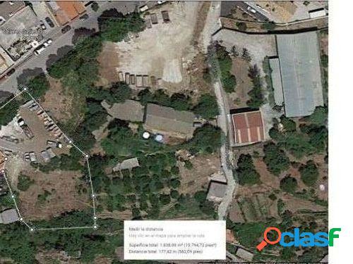 Parcela en Lanjarón en la calle principal del pueblo - Con