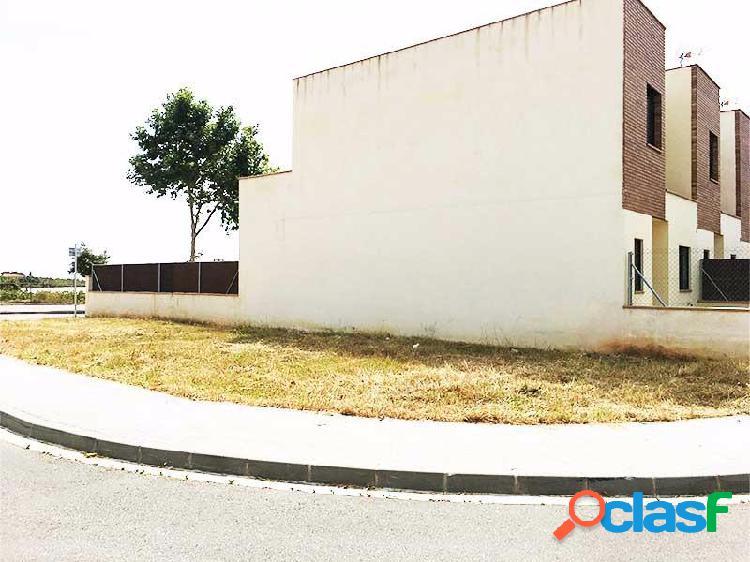 Parcela para Casa Adosada Esquinera en Vilanova i la Geltrú