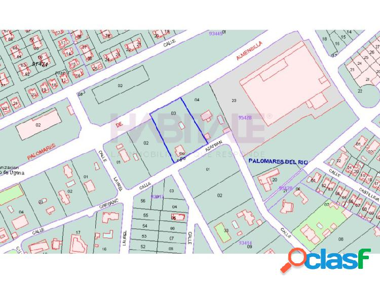 Parcela urbana de 3.000 m2 junto a Cash Barea