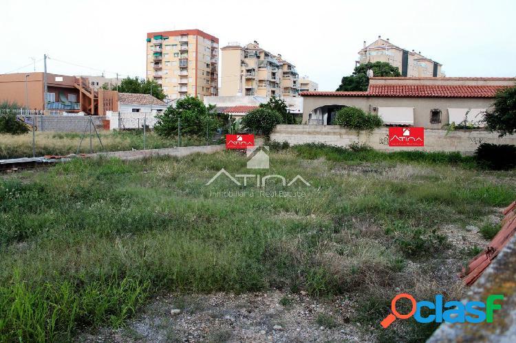 Parcela urbana de 500 m2 situada en zona residencial de