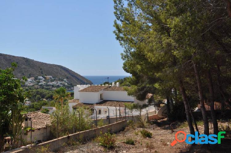Parcella bonita con vistas al mar en El Portet, Moraira