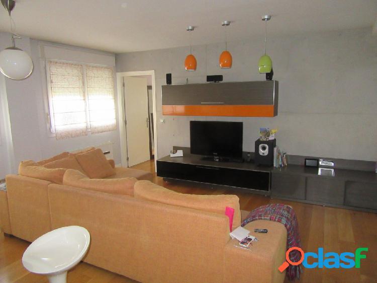 Piso De 2 Dormitorios Baño Garaje Y Trastero En Etxebarri
