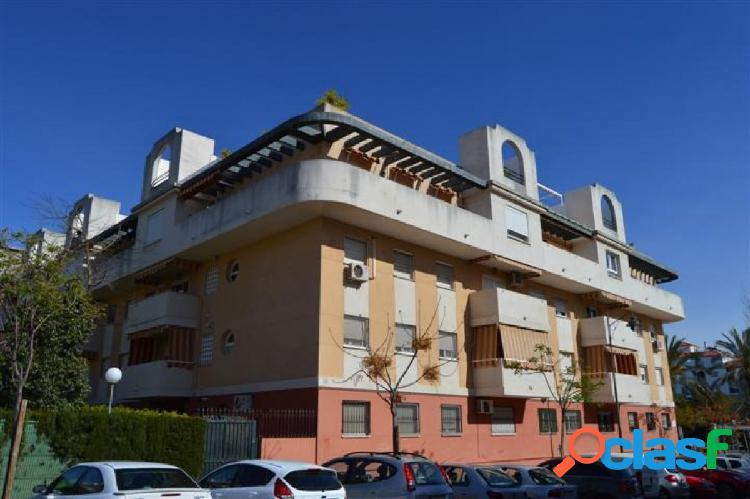 Piso Tres dormitorios en Huerta Nueva con garaje y trastero