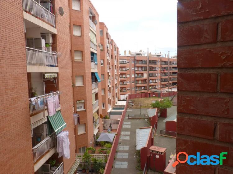 Piso a la venta en calle Riera de Aragó