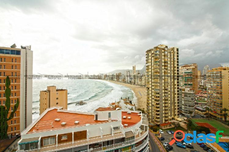 Piso con gran terraza y fantásticas vistas al mar