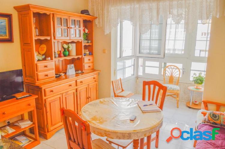 Piso de 2 dormitorios en Torrevieja, zona Avda. Habaneras. A