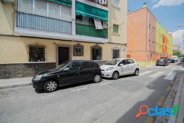 Piso de 3 Dormitorios en el Barrio del Zaidin.