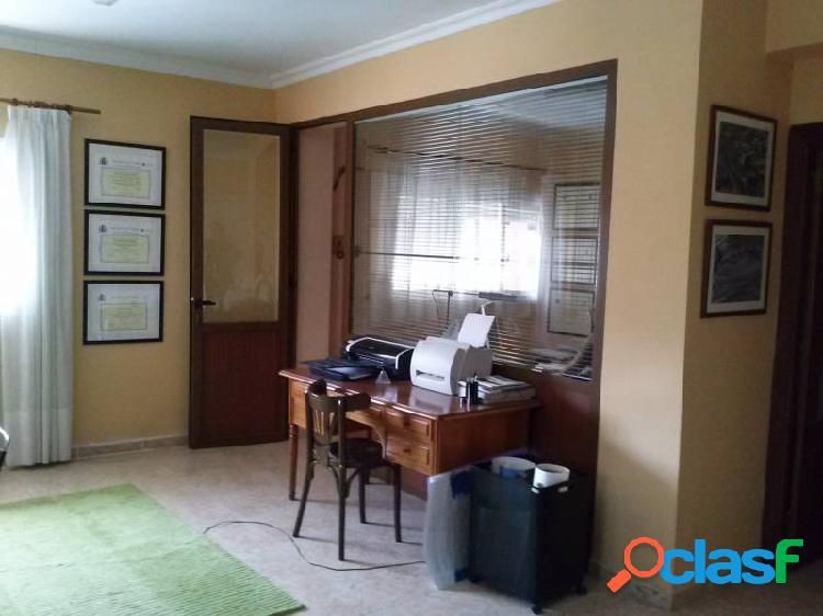 Piso de 3 Habitaciones más despacho 120 m2 Ideal como