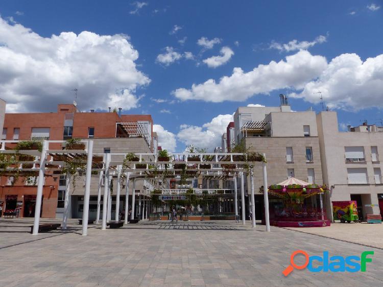 Piso de 3 habitaciones + PARQUIN en el centro de Reus